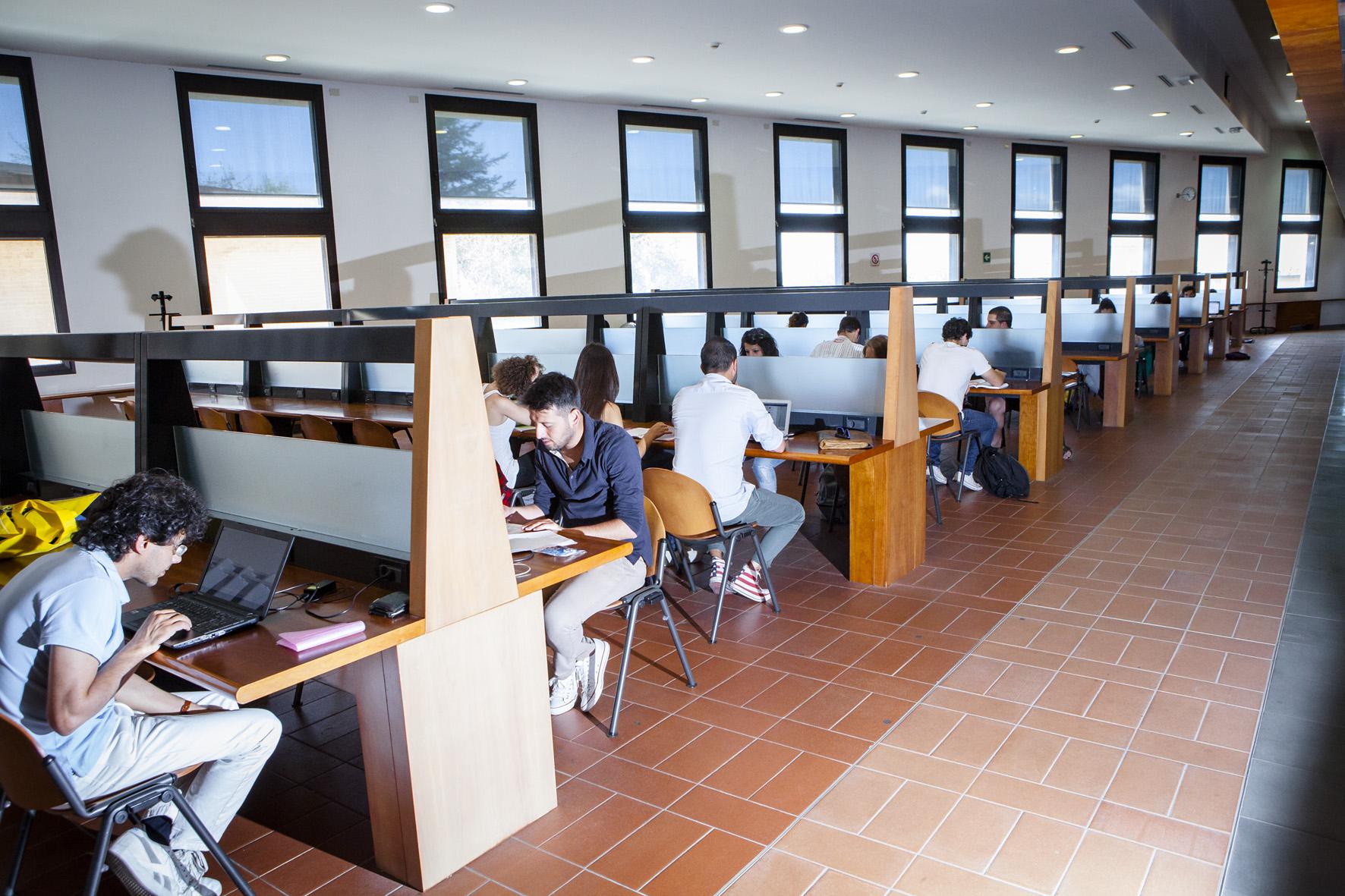 28.2. ITALIANI STUDENTI. FOTO MARIO LLORCA.WWW.MARIOLLORCA.COM