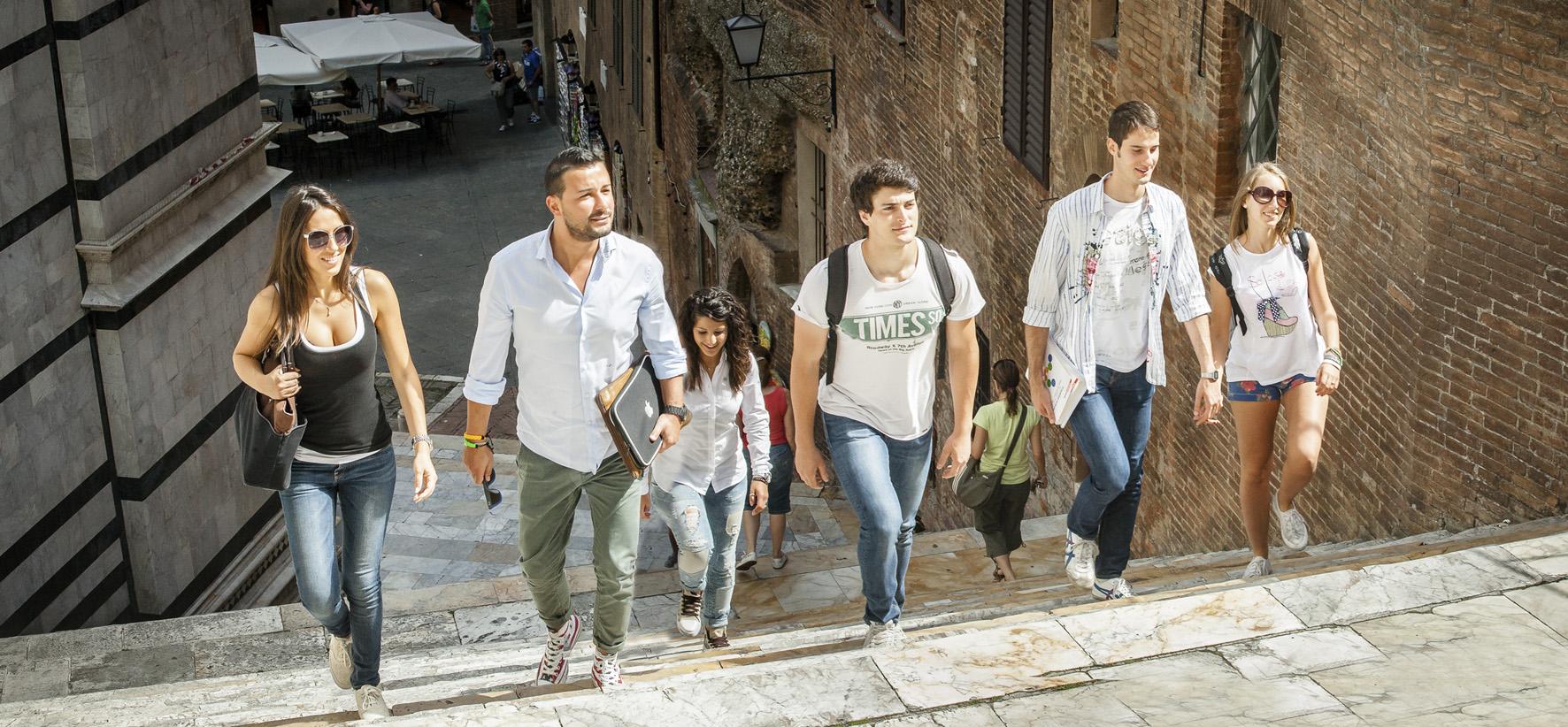 31. ITALIANI STUDENTI. FOTO MARIO LLORCA.WWW.MARIOLLORCA.COM