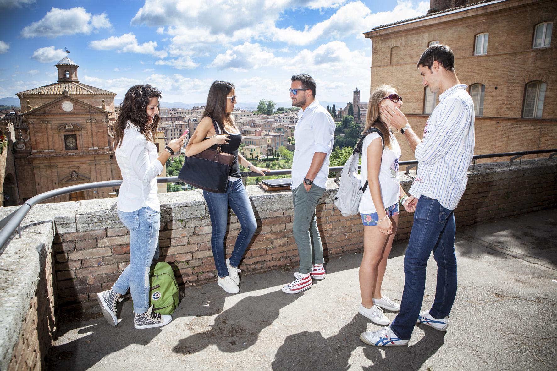 32.5. ITALIANI STUDENTI. FOTO MARIO LLORCA.WWW.MARIOLLORCA.COM