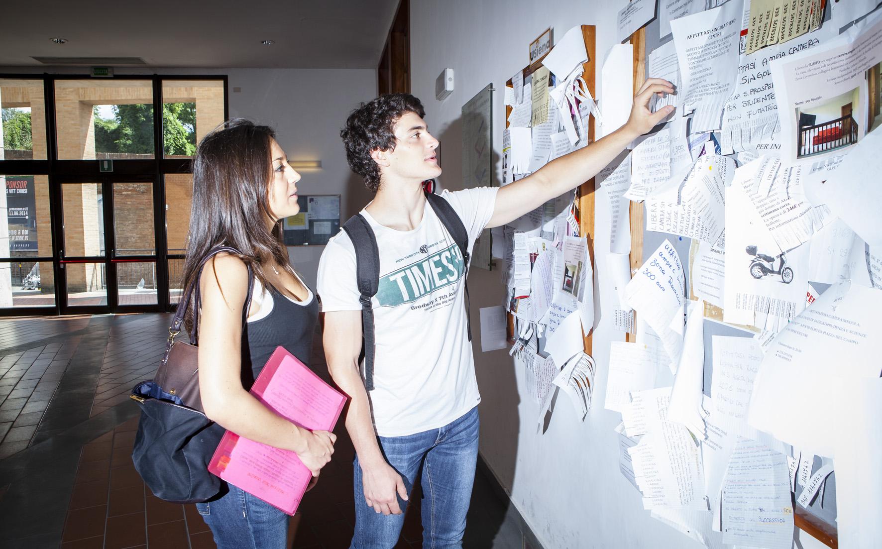 36. ITALIANI STUDENTI. FOTO MARIO LLORCA.WWW.MARIOLLORCA.COM