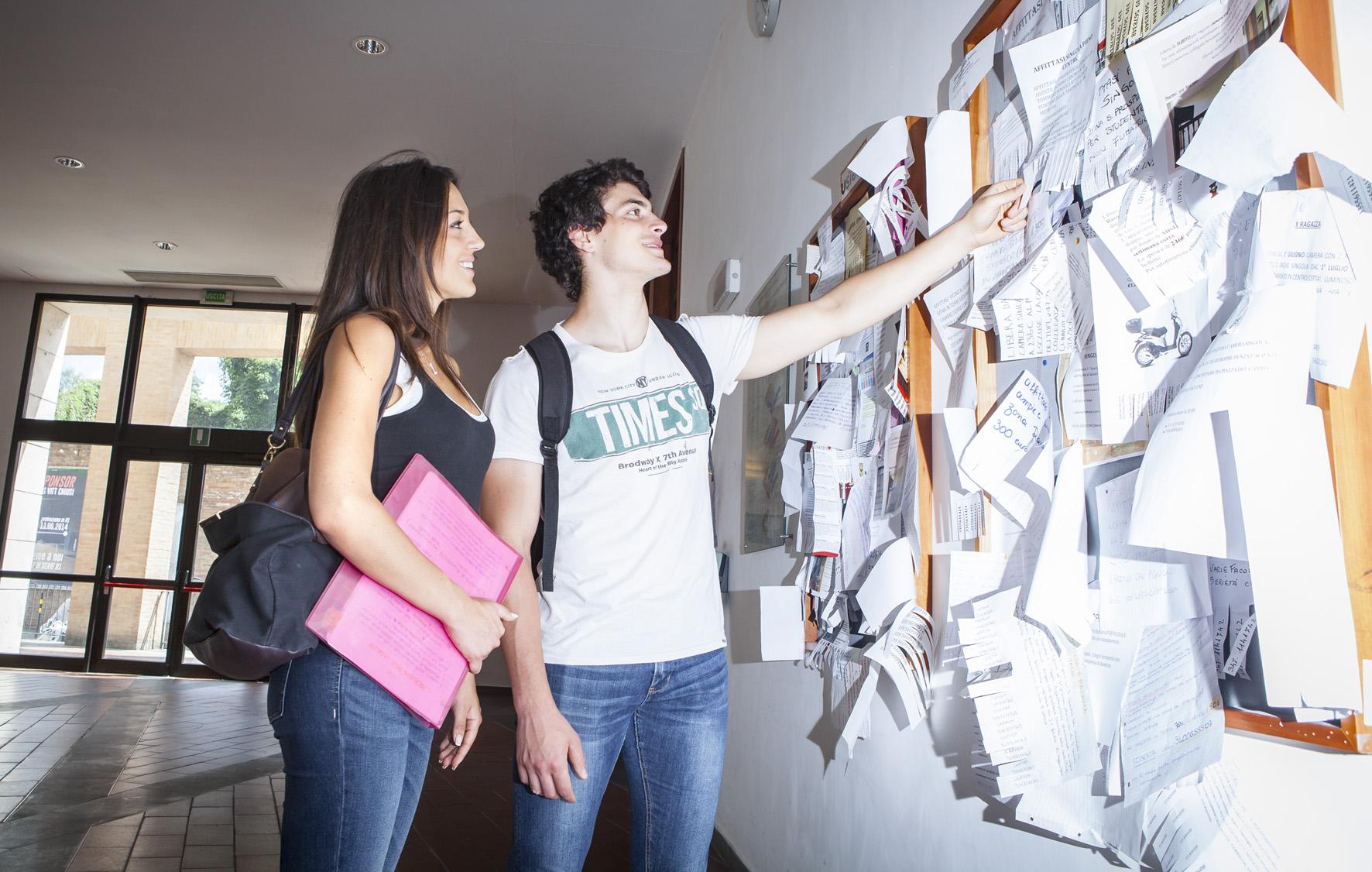 43. ITALIANI STUDENTI. FOTO MARIO LLORCA.WWW.MARIOLLORCA.COM